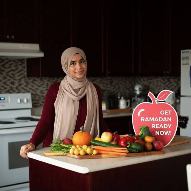"""I can't believe we are only 2.5 weeks away from Ramadan. There's a lot of mixed feelings in terms of how prepared we all feel,  not to mention all of the added social media pressure!   In order to do my part in helping you all prepare for Ramadan, I will be hosting a *free* 5 day challenge called """"Get Your Kitchen Ramadan-Ready"""". We will be officially starting on Friday April 2nd - everyday you will receive your daily challenge via email. Sign up for bonus grocery lists + helpful templates to guide you!  Tag a friend who you want to get Ramadan-ready with! It's a great way to do something virtual with friends and family over the long weekend!   Link in bio! . . . #HealthyRamadan #Ramadan2021 #Ramadan #RamadanKareem #healthymuslimah #healthymuslims #muslimah #muslimahblogger #RamadanReady #dietitian #nutritionist #muslimpreneur #mompreneur #halalfoodie #torontomuslims"""