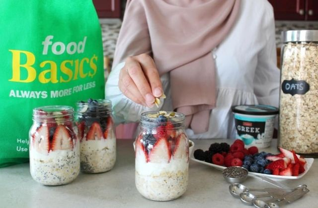 """I am super excited to be partnering with @foodbasicson this Ramadan to share some delicious & healthy recipes! First up is suhoor, which can be challenging to figure out what to eat in the middle of the night! My family's go-to has been Overnight Oats because I can make it ahead of time and this recipe has the perfect balance of protein, fibre, and healthy fats.   Here's how to make your own Very Berry Overnight Oats: ½ cup oats 1 Tbsp chia seeds ½ cup milk ½ cup plain Greek yogurt ¼ cup mixed berries 1 Tbsp nuts and seeds of choice (I used almonds and pumpkin seeds)   Add into a mason jar in the order above. Cover and store in the refrigerator for at least 5 hours before having for suhoor.   I love that I was able to find all of these ingredients at @foodbasicson while being budget-friendly! Food Basics offers its customers savings on their products by providing """"Always More for Less"""". On top of all the savings, Food Basics'Kitchens of the Worldaisle includes a wide selection of products to meet all of your needs this Ramadan.   Tag a friend who can benefit from having a more energized suhoor!   #Ramadan #FoodBasics #AlwaysMoreForLess #KitchensofTheWorld #Sponsored #RamadanMubarak #RamadanKareem #HealthyRamadan"""
