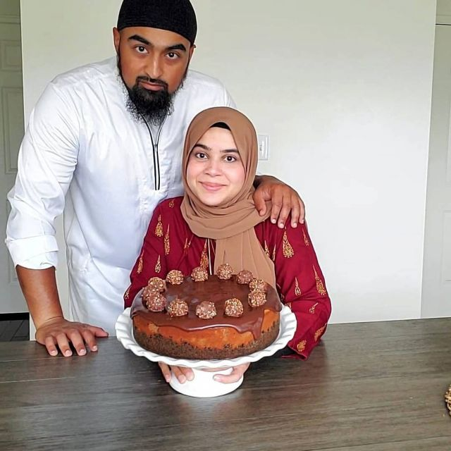 Eid Mubarak from us to you!  Insha'Allah you all have a jouyus day with your loved ones!  This year's cheesecake was a Nutella cheesecake made by @nutritionbynaz.  Today's a day of celebration, so eat what you wish. Don't worry about things being healthy, that's what we have the rest of the year for.  So have a dessert on my behalf! 🍰🎂🧁🍦🍨🍫🍬  . . . . . #eid #eidmubarak #eidvibes #eid2021 #eiddesserts #eidoutfit #muslimgram #muslimig #halalgram #muslimbanter #muslimsoftheworld #islamworld #deen #ummah #ummati #muslimfitness #fitmuslimah #muslimreels #muslimnutrition #thehealthymuslims #healthymuslims #muslimhealth #muslimfitness #eidcelebrations #eidaladha #celebration
