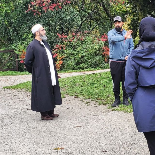 Had the privilege of doing a community hike with @seekersguidanceorg @faraz_rabbani.  Fitness and nutrition is never just about the physical, but rather the spiritual as well.  It's important to make sure we take care of both and find a way to bring them together.  . . . . . #thehealthymuslims #healthymuslims #muslimhealth#muslimfitness #muslimig #halalgram #muslim #muslims #seekersguidance #muslimgram #instamuslim #americanmuslim #muslimah #healthymuslims #canadianmuslim #muslimworld #islam #deen #muslimfamily